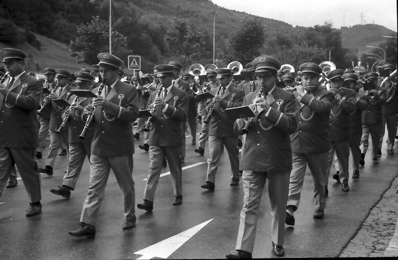 Waldshut: 500. Waldshuter Chilbi; Susaphone der Badener Stadtmusik (Schweiz), Bild 1