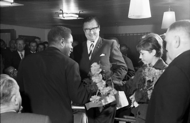 Wildtal: Gasthof zur Sonne; fünf Minister aus Madagaskar in Freiburg; Männergesangverein und Bürgermeister, Bild 1