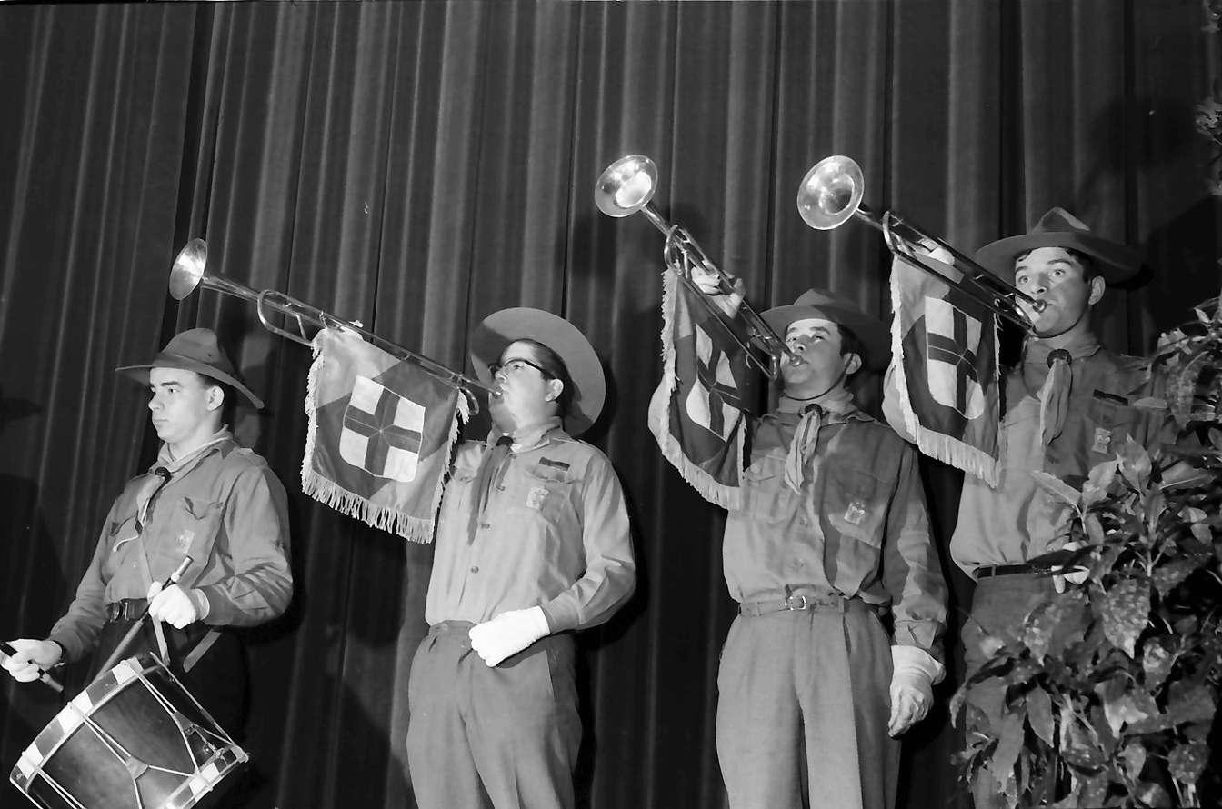 Zähringen: Jahnhalle; fünf Minister aus Madagaskar in Freiburg; Pfadfinder mit Fanfaren, Bild 1