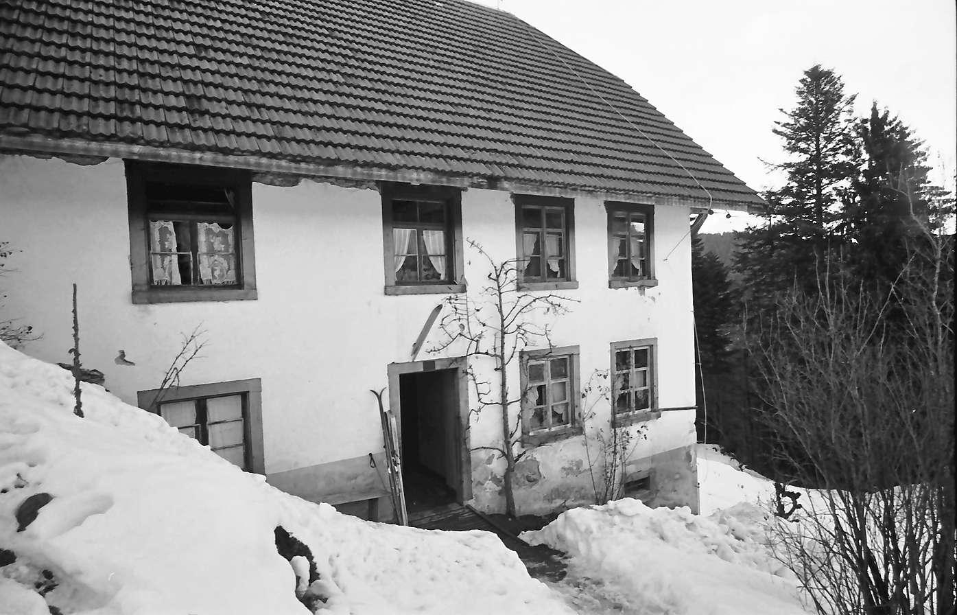 Hinterzarten: Haus der Familie Thoma, Haus nahe, Bild 1