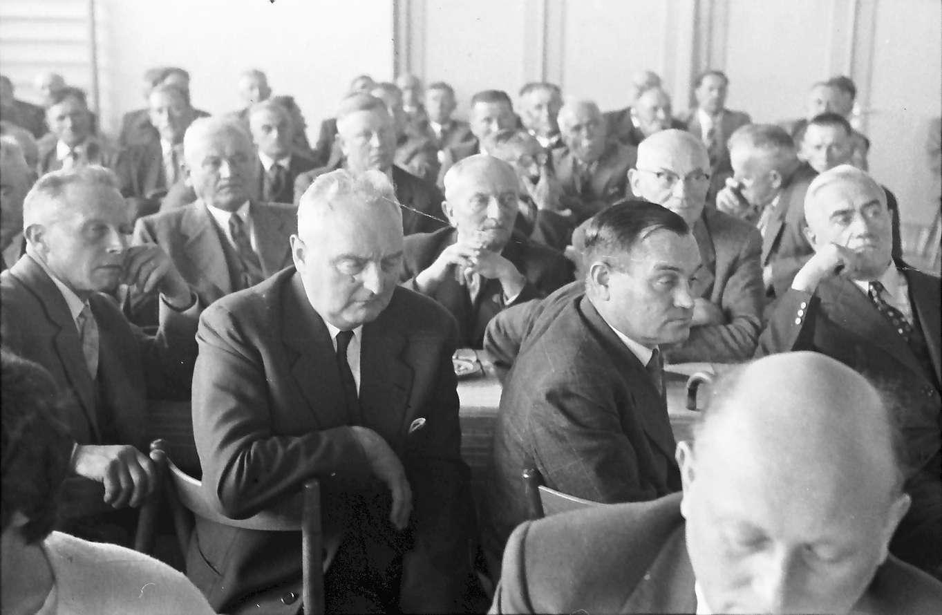 Breisach: zweites Bürgermeistertreffen; Bürgermeister hören zu, Bild 1