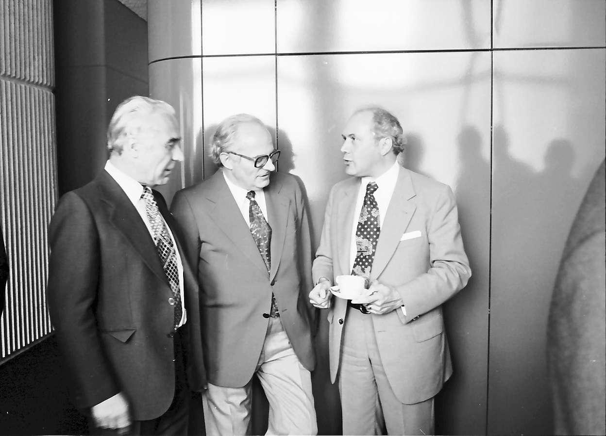 Lörrach: Neues Rathaus; Regio Conférence Tripartite; Teilnehmer der Konferenz; Person; Oberbürgermeister Hugenschmidt, Lörrach, Bild 1