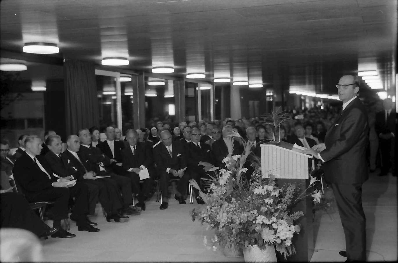 Bad Bellingen: Einweihungsfeier; Ansprache Ministerpräsident Dr. Filbinger, Bild 1