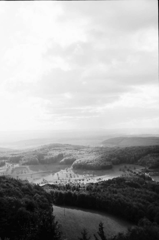 Schliengen: Schloss Bürgeln; Wolkenbildung mit Fernblick, Bild 1