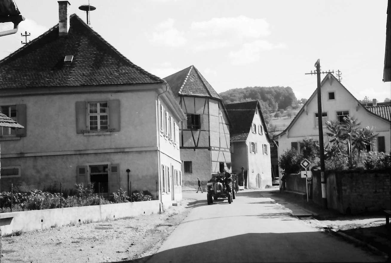 Zunzingen: Dorfstraße, Bild 1
