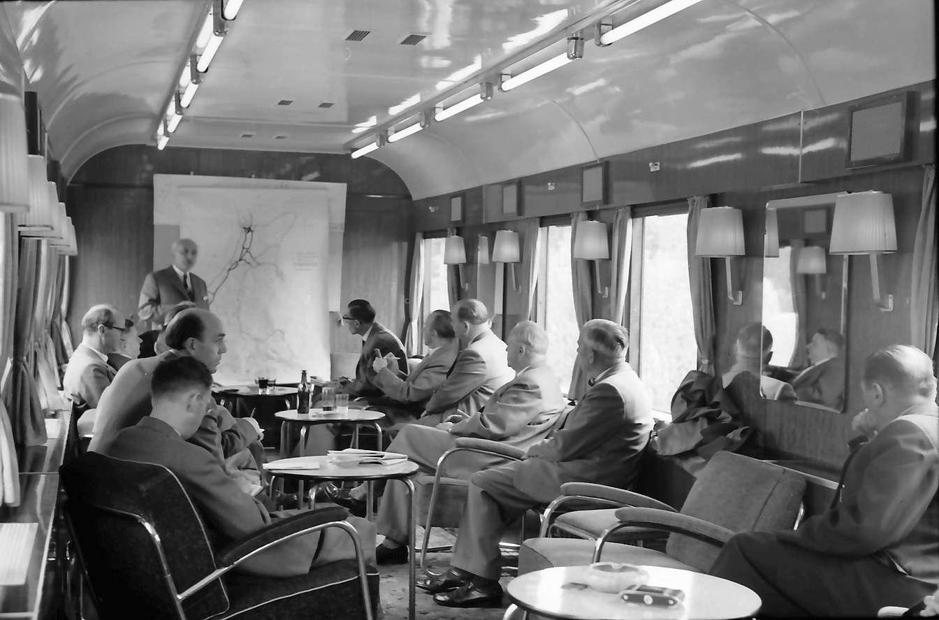 Schluchsee: Konferenz im Salonwagen, Bild 1