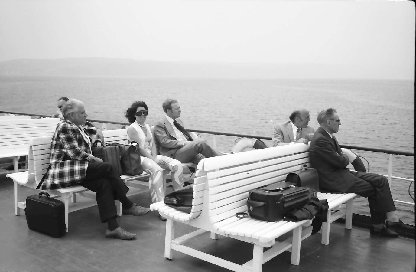 Überlingen: Bahnhof; Pressefahrt; Gruppen am Schiffsdeck, Bild 1