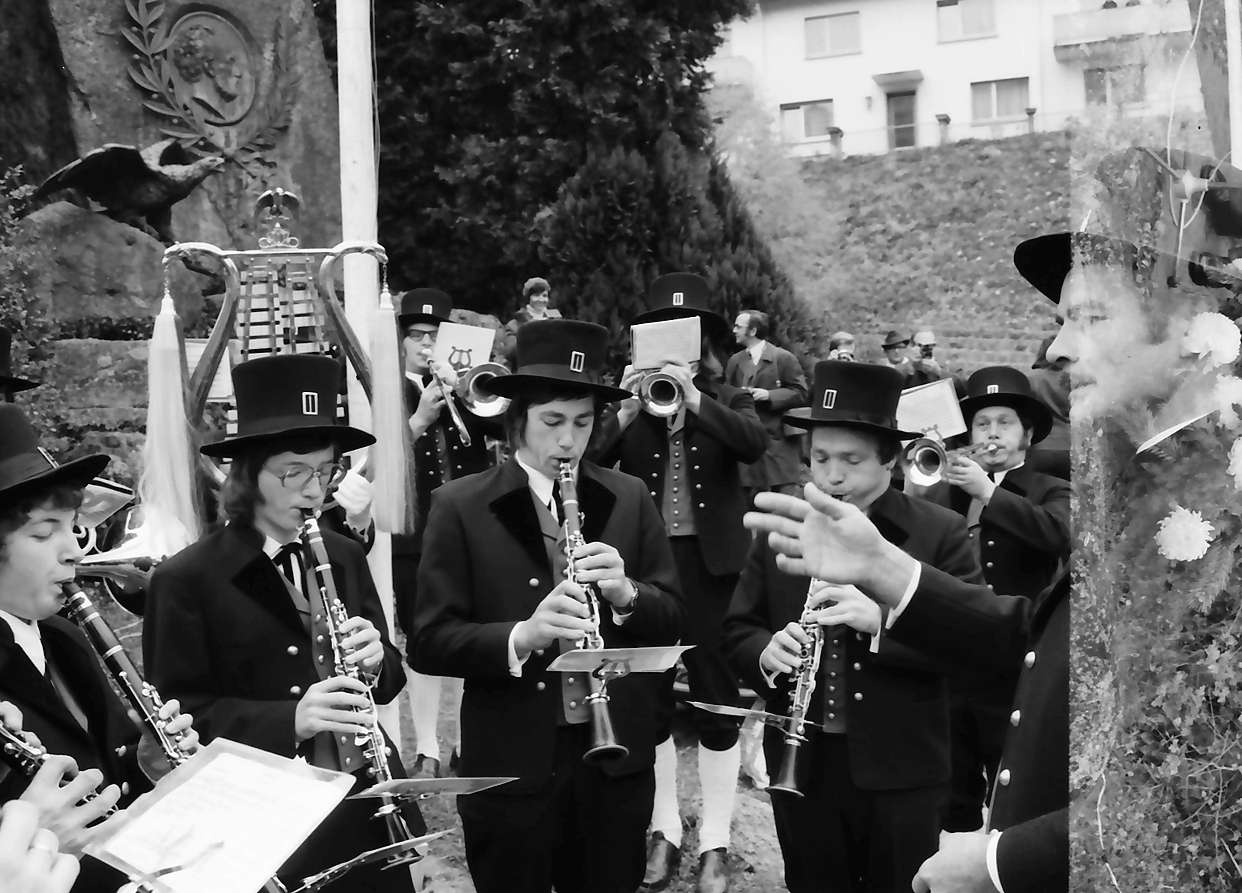 Triberg: vor dem Gerwigdenkmal; Festakt, Bild 1