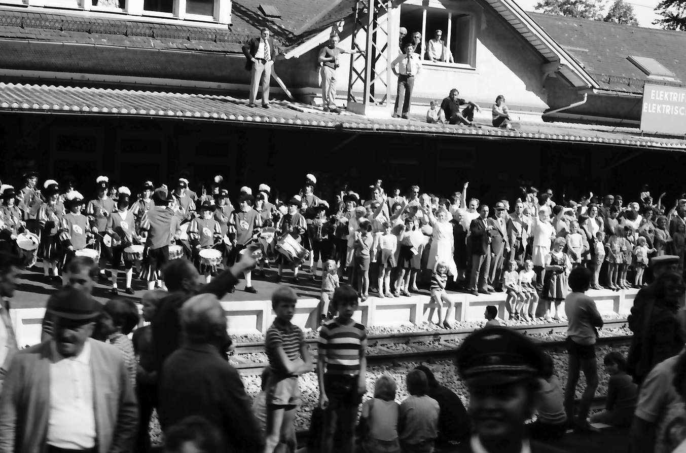 Triberg: Empfang am Bahnhof, Bild 1