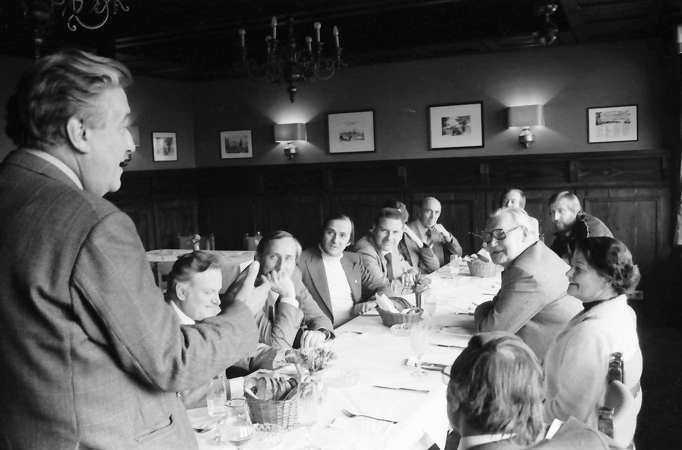 Durlach, Turmbergrestaurant; Verabsschiedungsfeier von Bundesbahnpräsident Schwaner, Bild 1