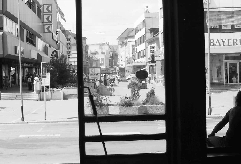 Singen: vom Bahnhof auf Straße, Bild 1