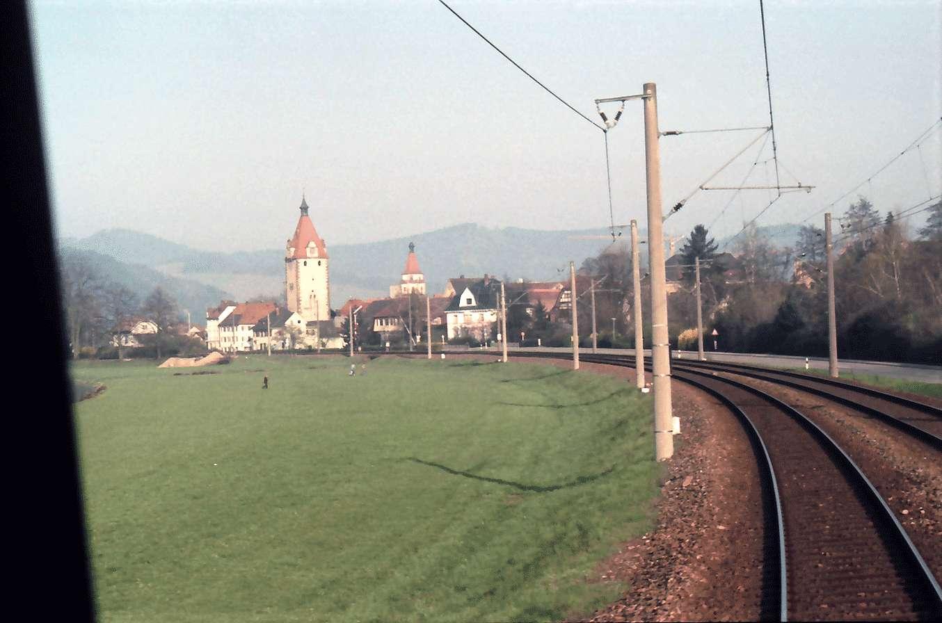 Gengenbach: Schwarzwaldbahn; Strecke mit Turm, Bild 1