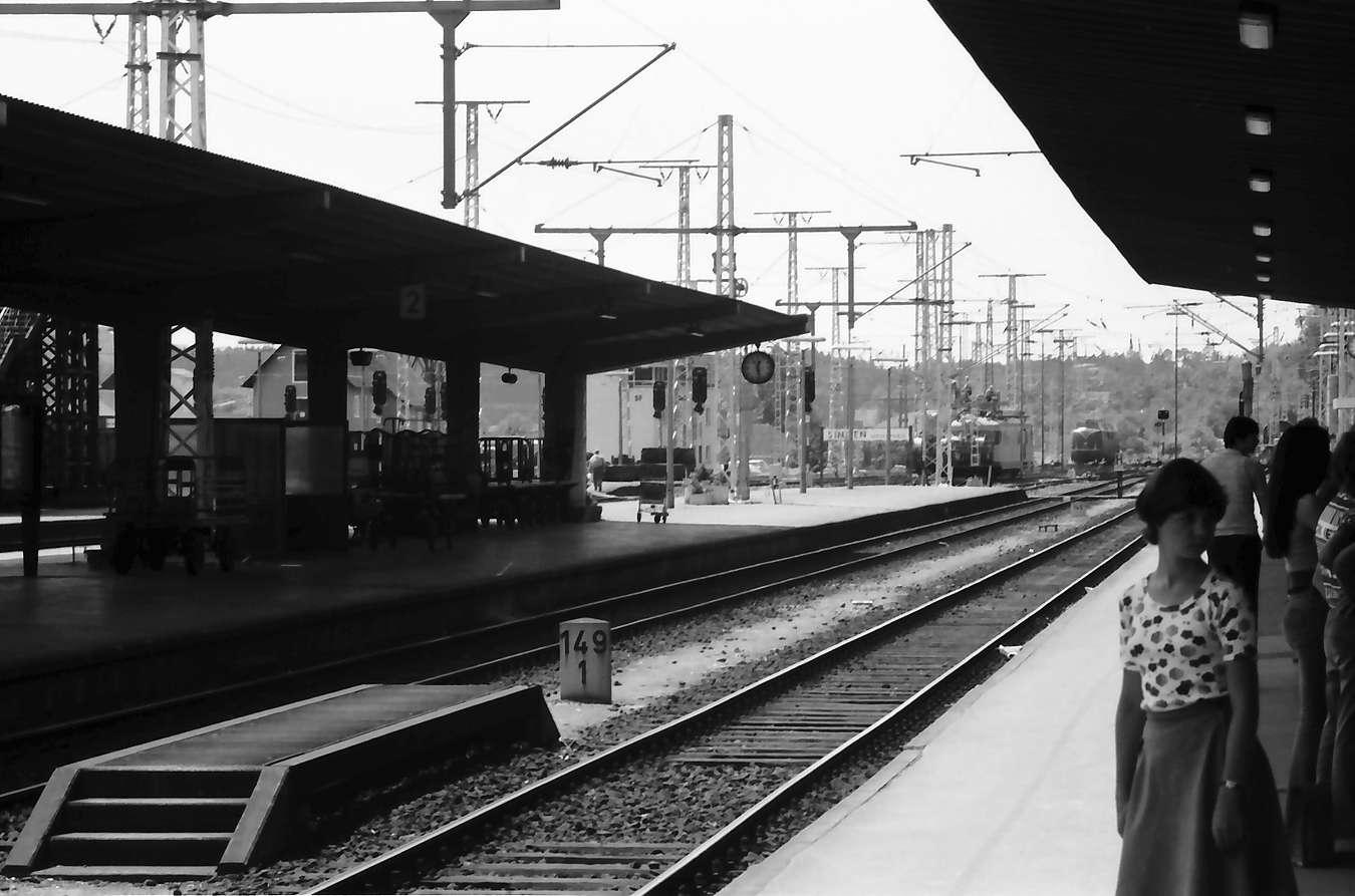Singen: Fahrdrahtleitungen im Bahnhof, Bild 1