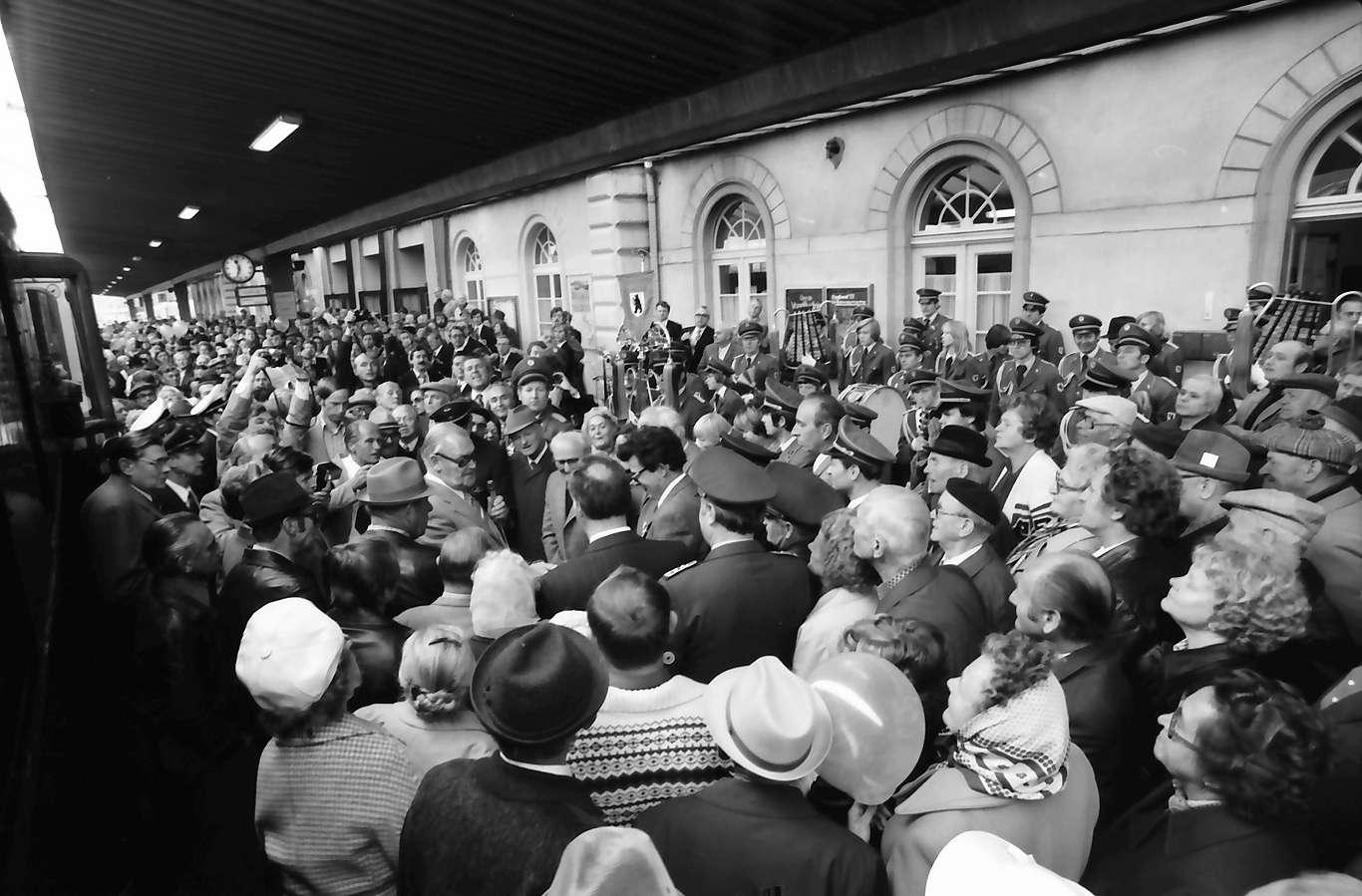 Singen: Empfang im Bahnhof, Bild 1