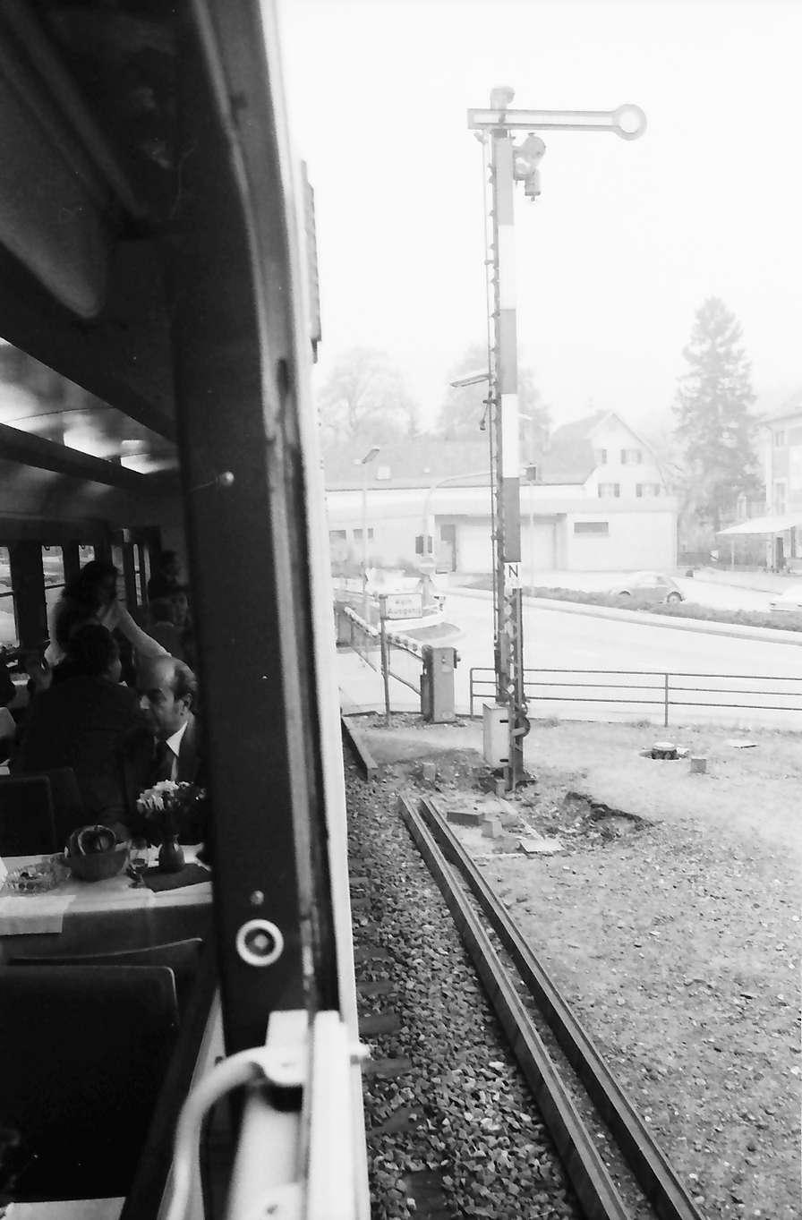 Gernsbach: Indusi-Wirkung eines Zuges auf Halt-Signal (aus Zug), Bild 1