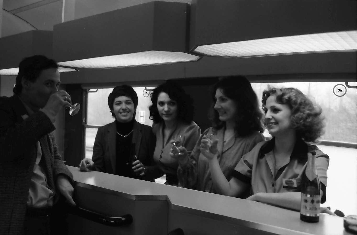 Gernsbach: die Damen im Zug, Bild 1