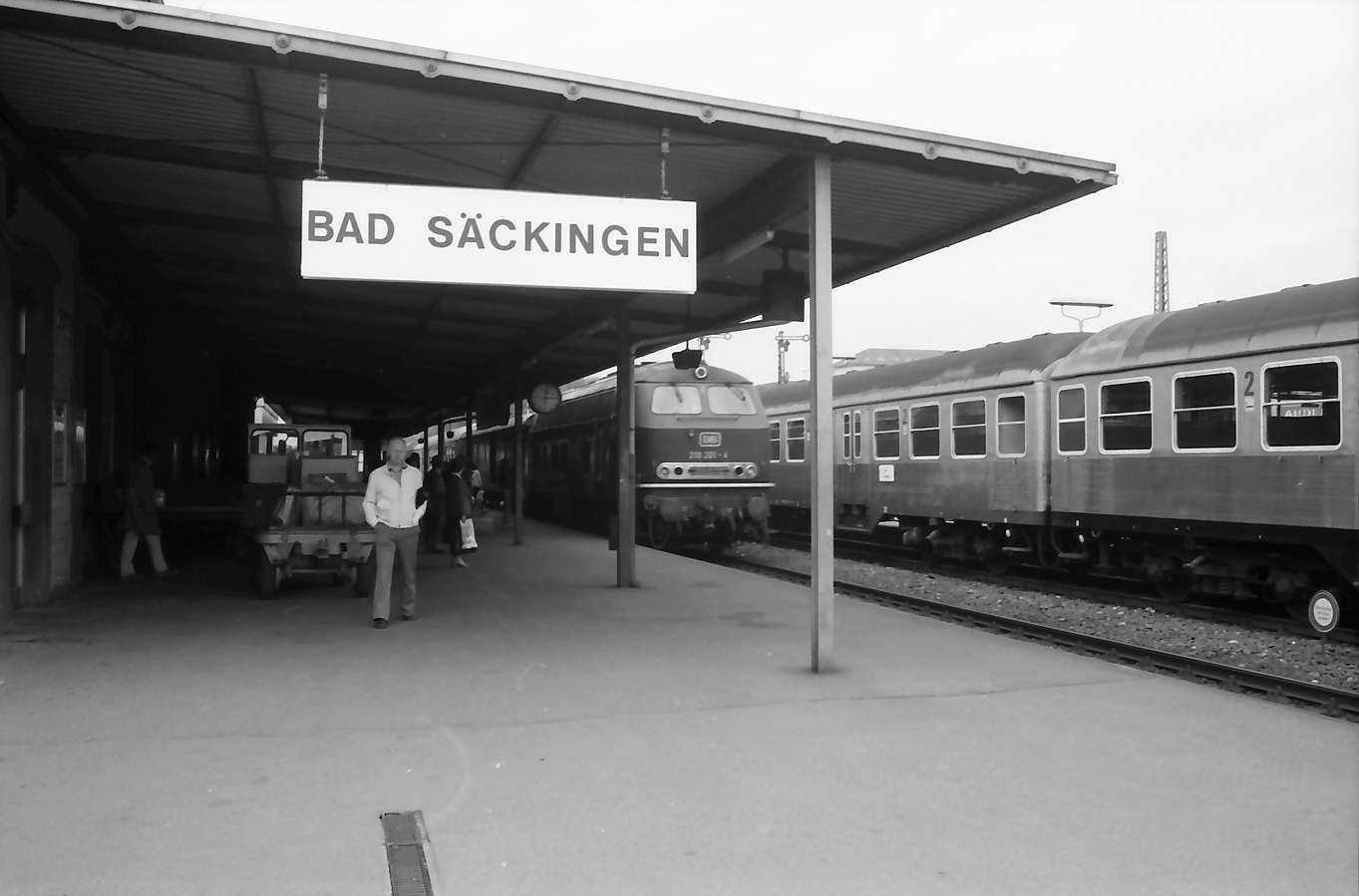 Bad Säckingen: neues Bahnhofsschild: Bad Säckingen, Bild 1
