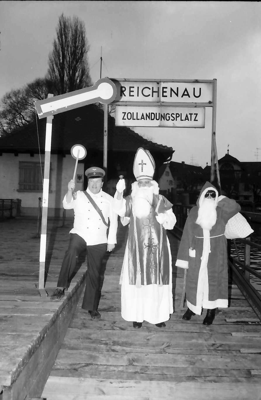 Reichenau: Nikolaus auf dem Landungssteg, Bild 1