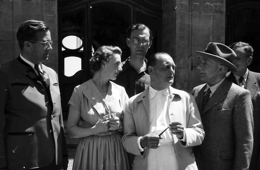 Insel Mainau: G. Parade, Gräfin Karin Bernadotte, F. K. Hein, Otto H. Warburg, dahinter Paul H. Müller, Bild 1