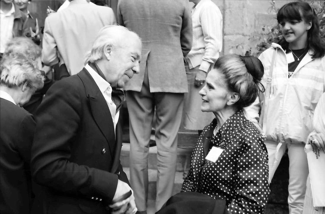 31. Tagung 1981 (29.6.-3.7.) Mediziner; Mainau: Christian R. de Duve, A. Pütz, im Hintergrund Tochter Arber, Bild 1