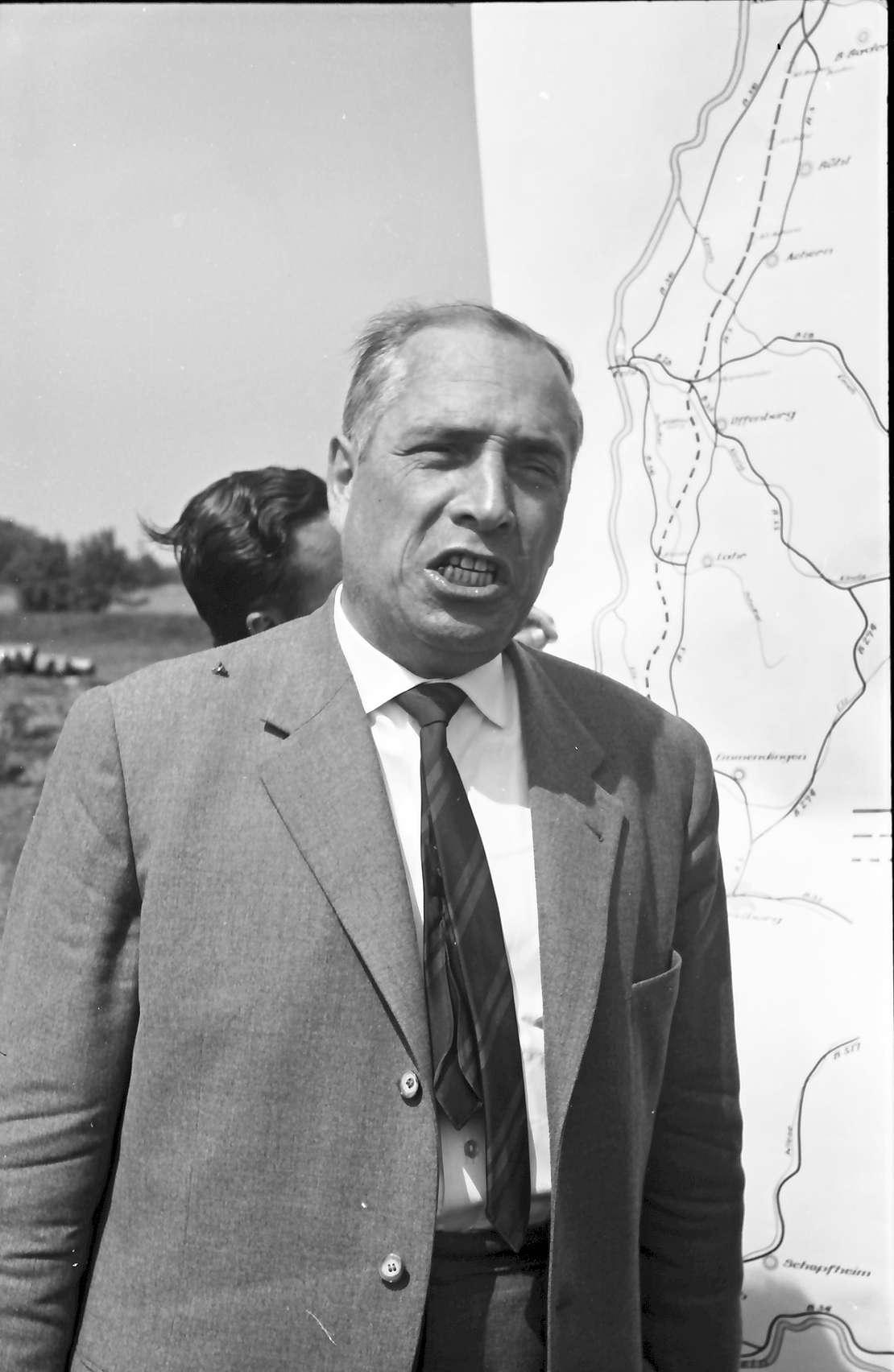 Wagshurst: Regierungsbaudirektor Leins; Portrait, Bild 1