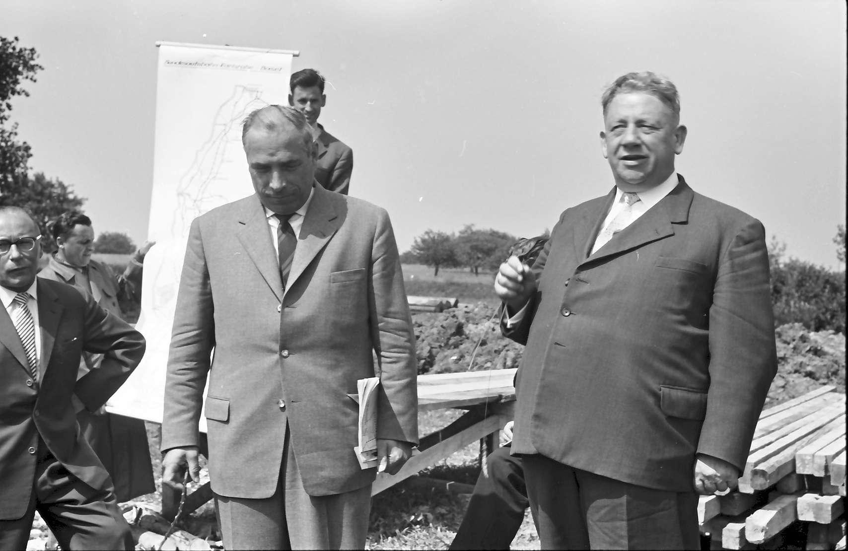 Wagshurst: Regierungsbaudirektor Leins und Regierungspräsident Dichtel, Bild 1