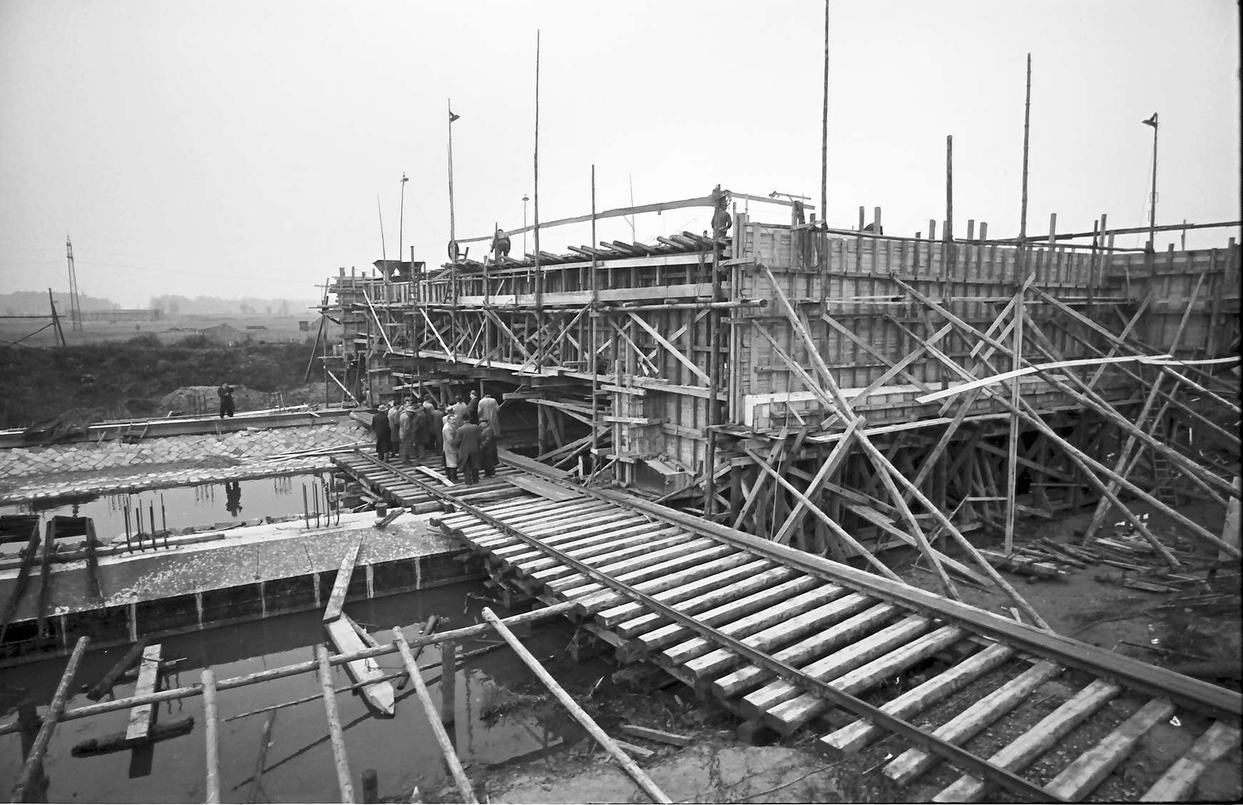 Achern: Brückenbau über die Acher, bei Achern, Bild 1