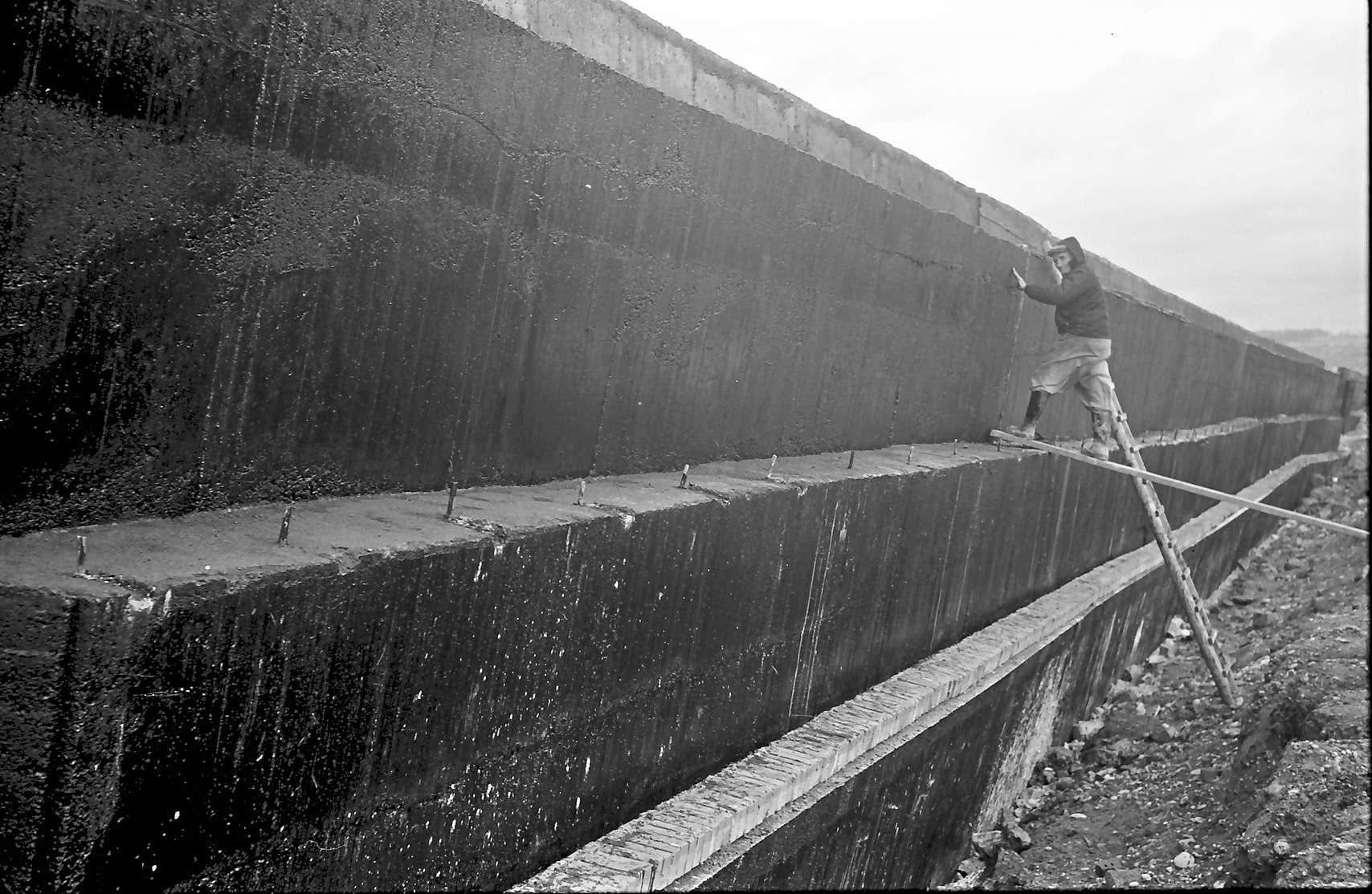Rheinweiler: Stützmauer; nur Mauer, Bild 1