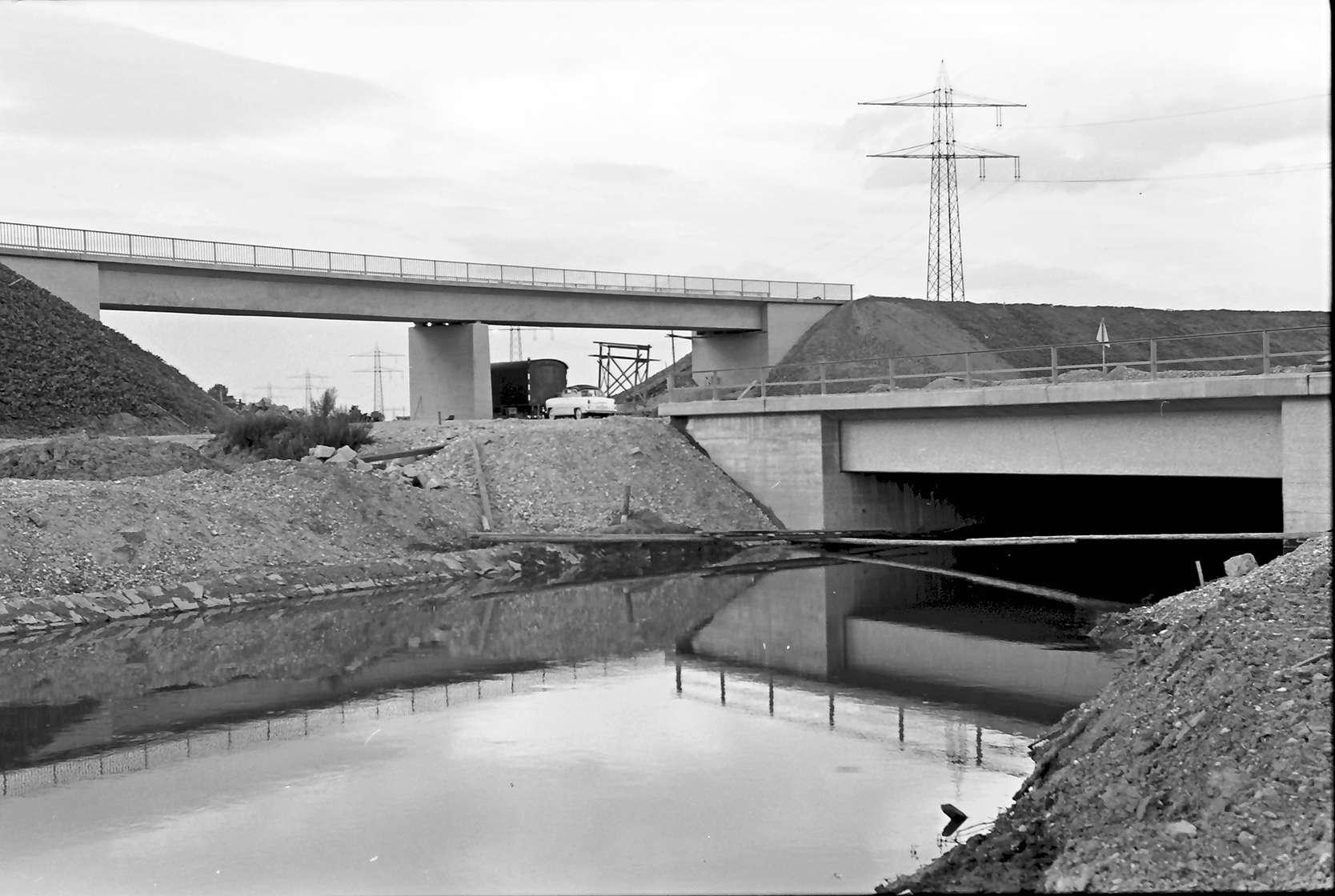 Riegel: Elzbrücke und Brücke der L 110 Riegel - Kenzingen; bei Riegel, Bild 1
