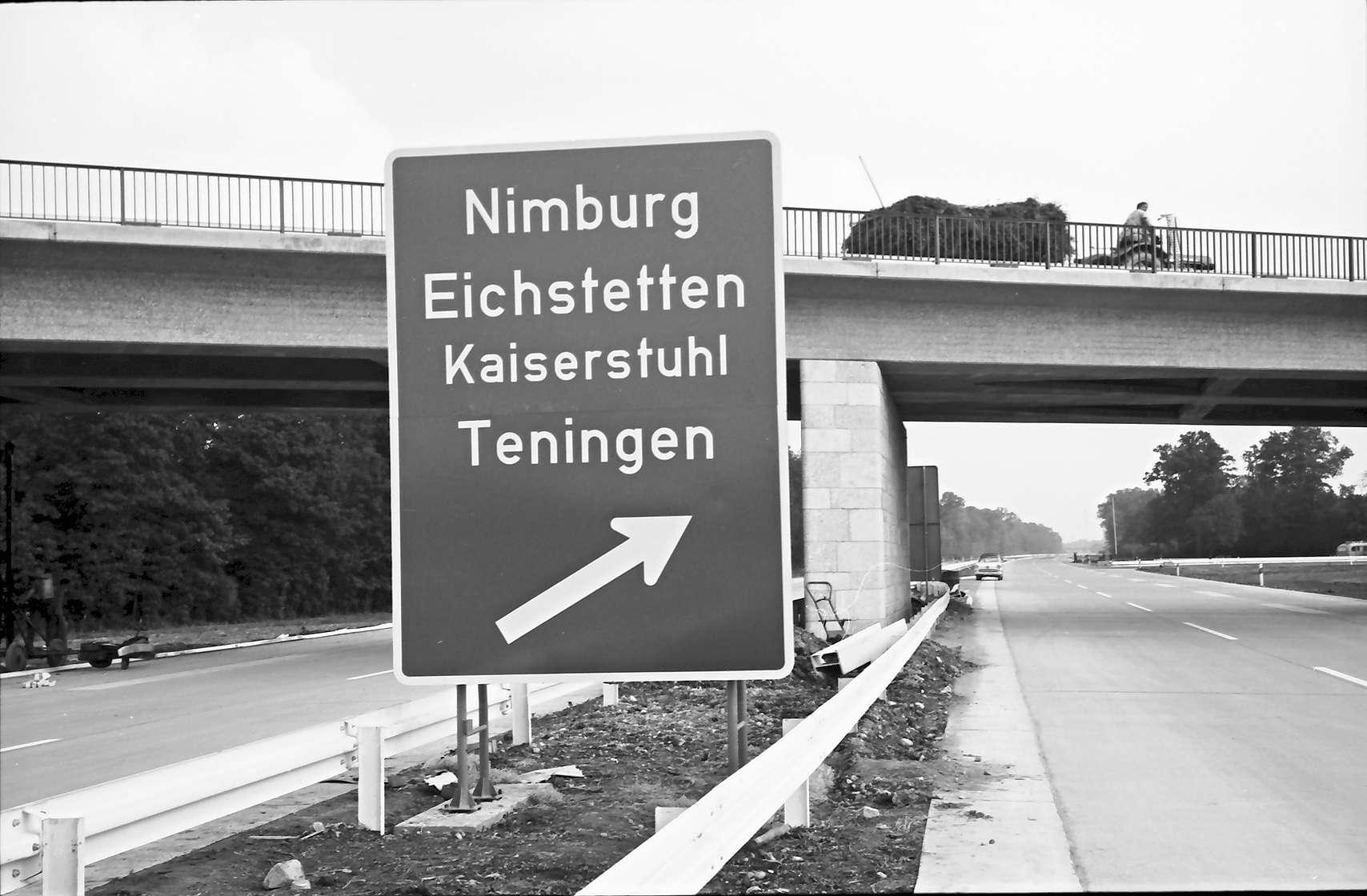 Teningen: Knoten Teningen; Ausfahrschild: Nimburg/Kaiserstuhl usw., Bild 1