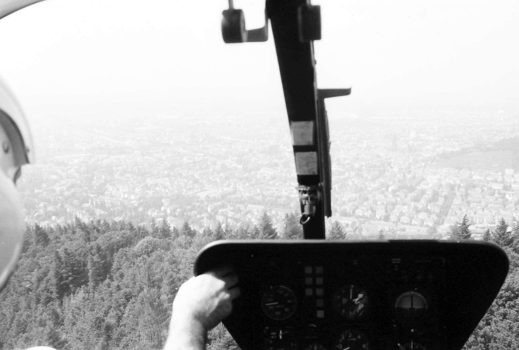 Günterstal: Aus Hubschrauberkanzel; über den Sternwald auf Freiburg, Bild 1