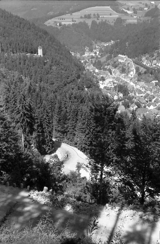 Triberg: Blick auf Triberg von der Schönwalder Straße, Bild 1