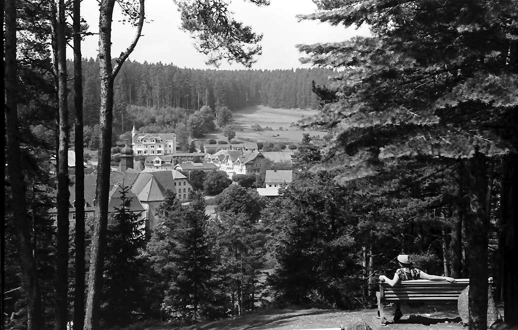 Friedenweiler: Blick vom Kalvarienberg auf Friedenweiler, Bild 1