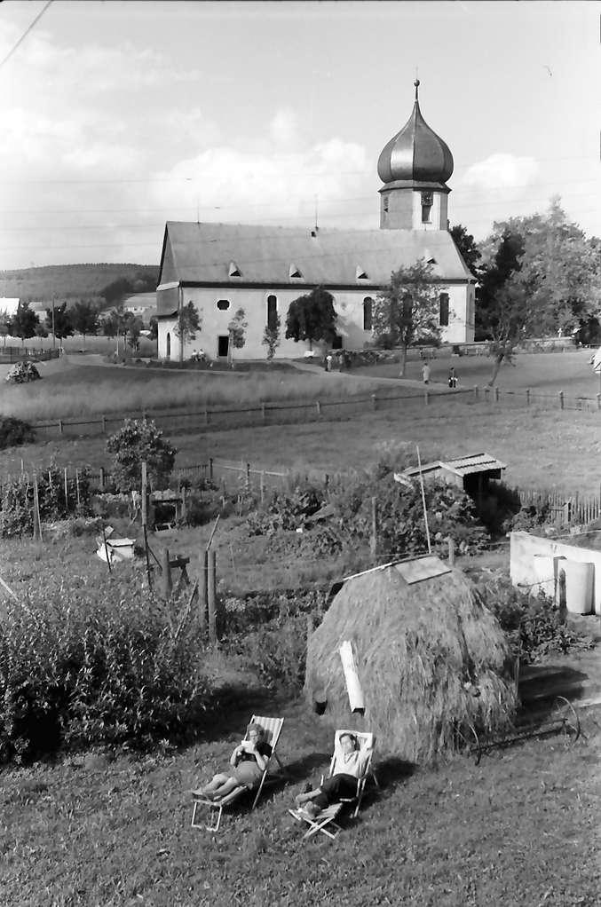 Hinterzarten: Blick auf die Kirche vom Haus Kramer, Bild 1