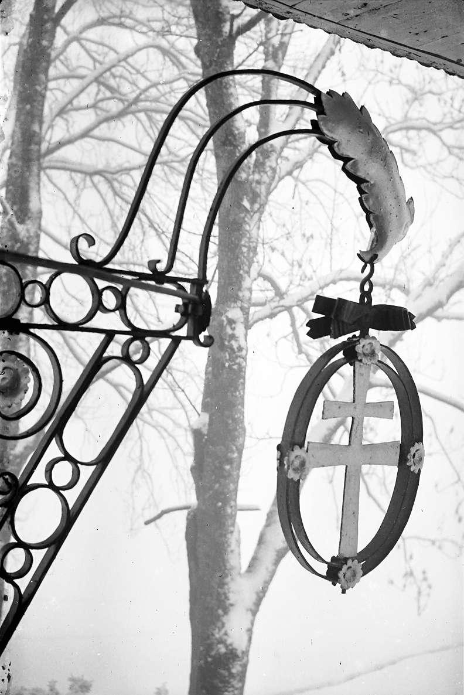 Breitnau: Aushängeschild des Gasthauses zum Kreuz; näher, Bild 1