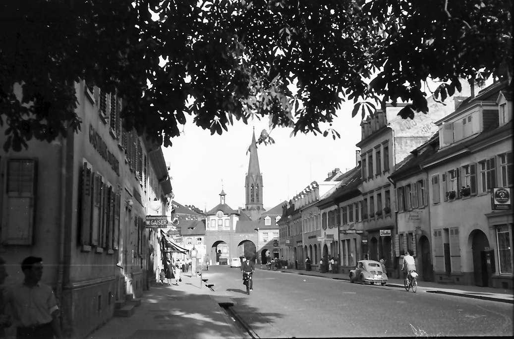 Emmendingen: Hauptstraße mit Tor, Bild 1