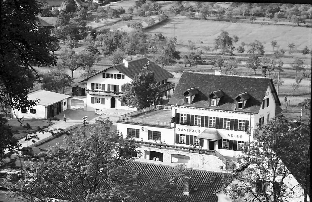 Glottertal: Gasthaus zum Adler; Blick von der Höhe auf Gasthaus, Bild 1