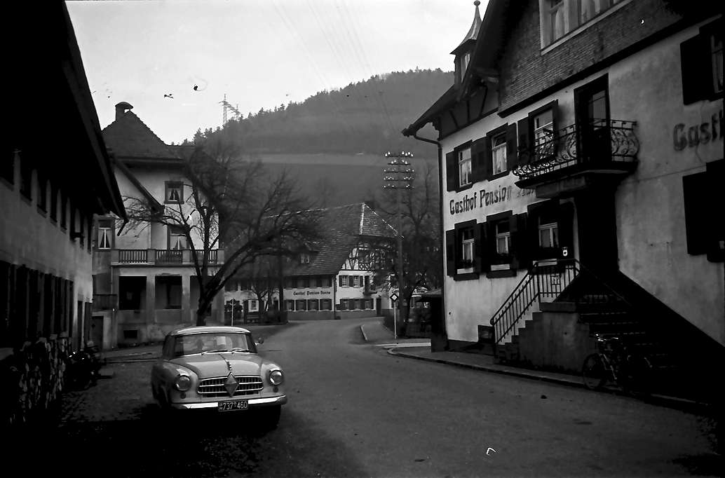 Oberprechtal: Gasthaus Adler; außen; mit Auto, Bild 1