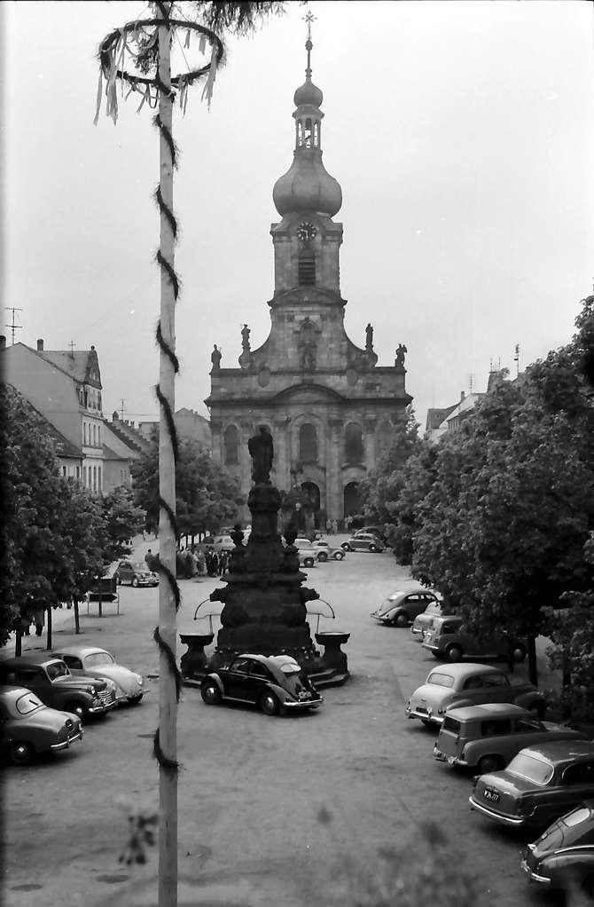 Rastatt: Pfarrkirche vom Balkon des Rathauses, Bild 1