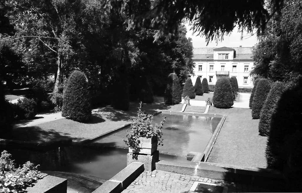 Bühl: Park mit Springbrunnen, Bild 1