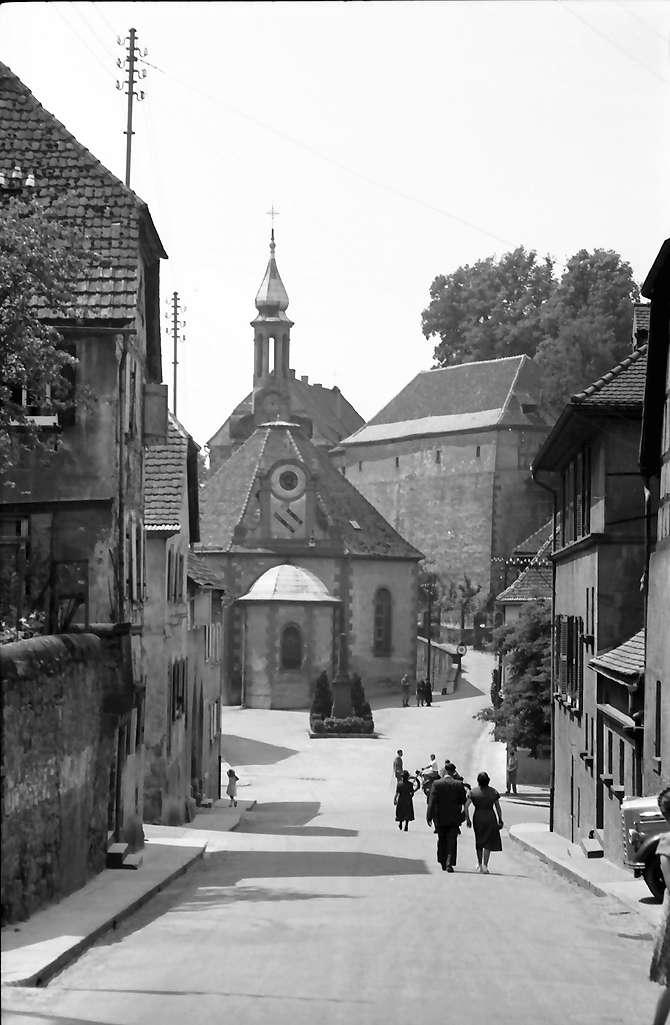 Mahlberg: Staße mit evangelischer Kirche und Schloss, Bild 1