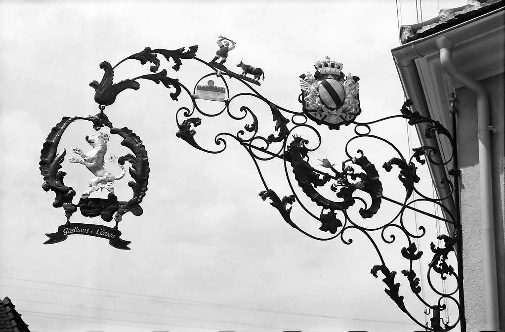 Mahlberg: Wirtshausschild zum Löwen, Bild 1