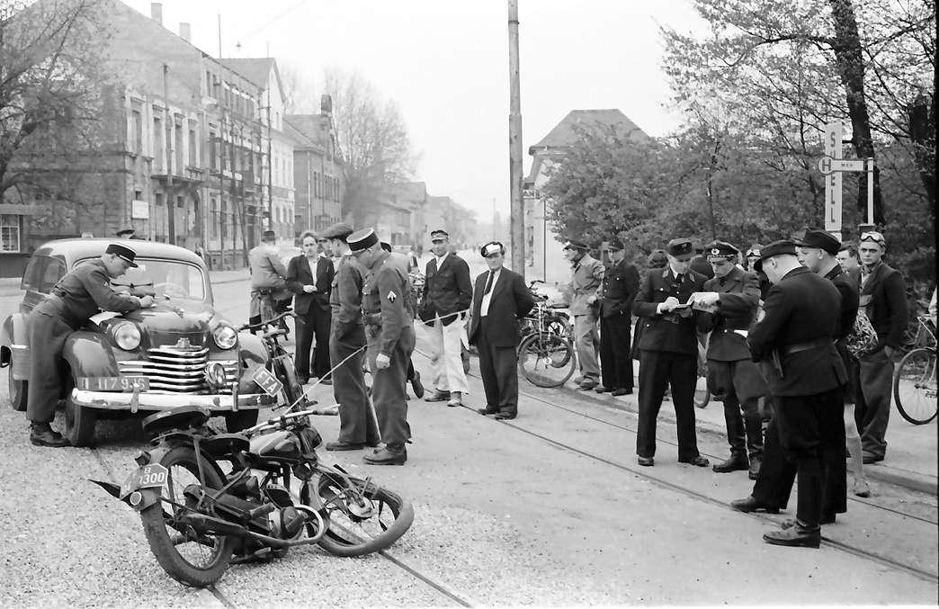 Kehl: Deutsch-französicher Zusammenstoß (Auto - Motorrad); ohne politische Folge, Bild 1