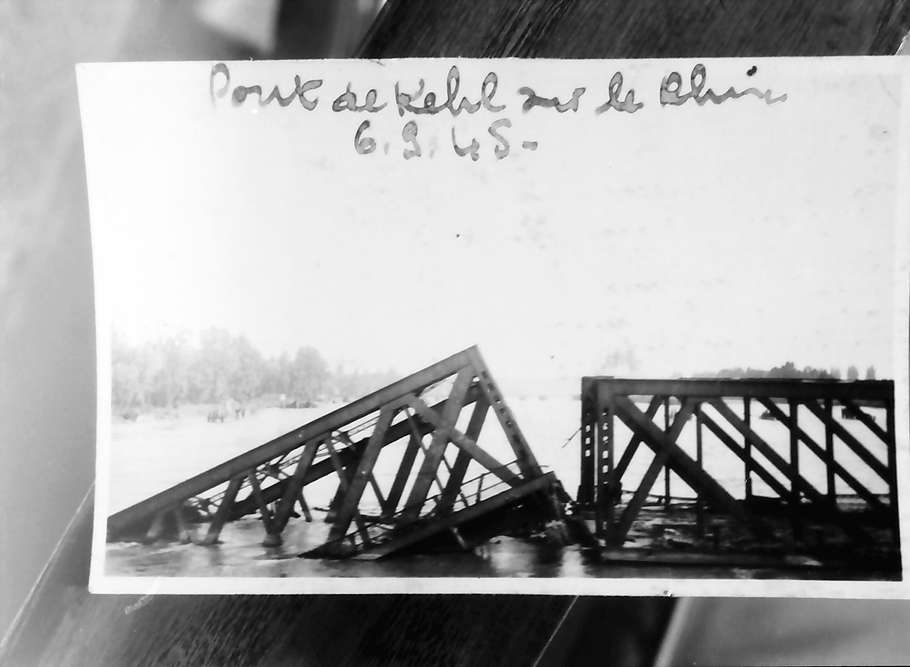 Kehl: Gesprengte Rheinbrücke, Bild 1