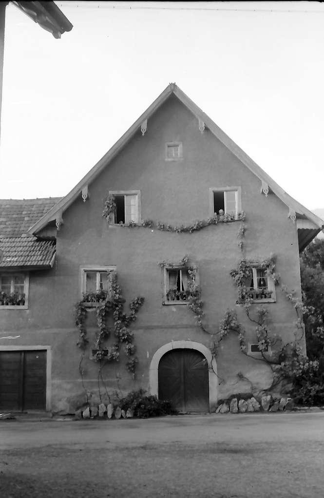 Sasbachwalden: Giebelhaus mit Gesicht, Bild 1