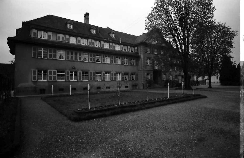 Nonnenweier: Mütterheim; Altbau vom Hof, Bild 1