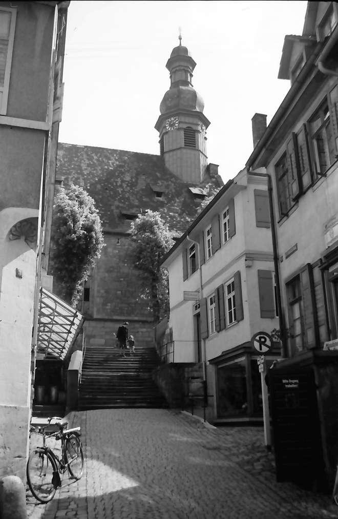 Gernsbach: Aufgang zur Kirche, Bild 1