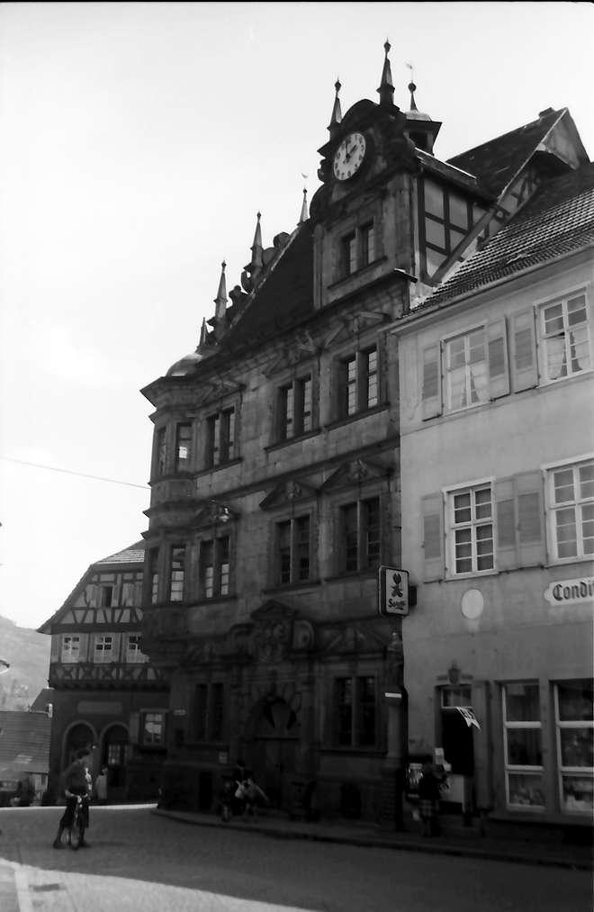 Gernsbach: Altes Rathaus; seitlich gesehen, Bild 1