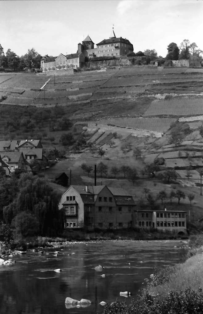 Gernsbach: Schloss Eberstein mit Murg, Bild 1