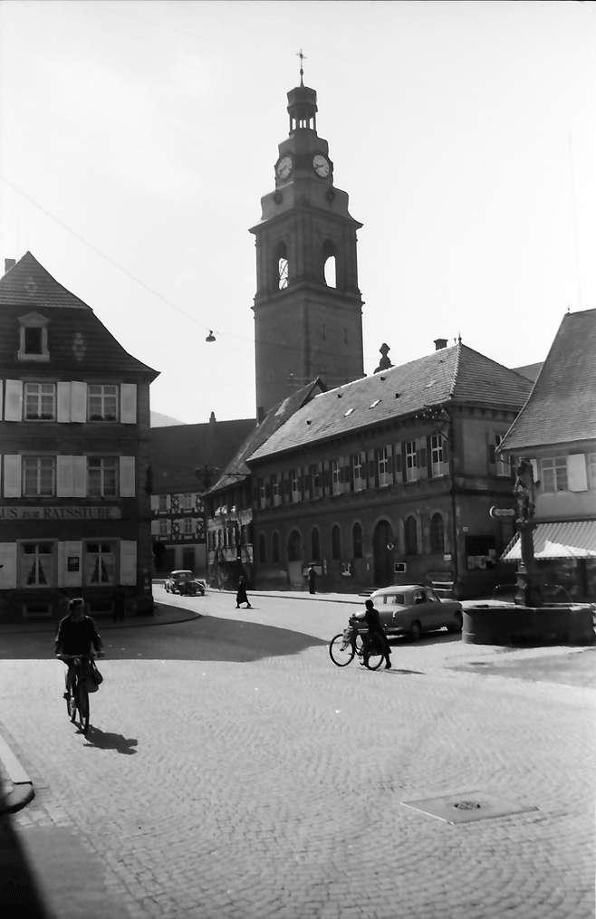 Haslach im Kinzigtal: Rathaus mit Hauptstraße, Bild 1